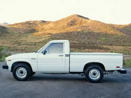 100 1982 Toyota Truck 1983 Deluxe Long 2WD RN44 83