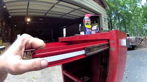 Snap-on Tool Chest Drawer Removal. How To. - YouTube The Images Collection Of Tool Storage Box For Pc Organizer Set Craftsman Fullsize Alinum Single Lid Truck Box Shop Your Way 1232252 Black Full Size Crossover 271210 17inch Hand Sears Outlet 26 6drawer Heavyduty Top Chest Whats In My 3 Drawer Toolbox Youtube Boxes At Lowescom Quick Craftsman Tool Restoration Plastic With Drawers Husky Drawer Removal Mobile