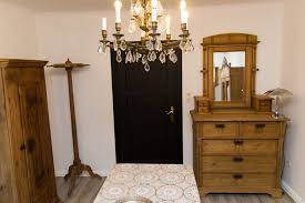 antike kommode antik karl wohnzimmer im landhausstil holz