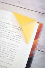 Learn How To Make Corner Bookmarks Out Of Paper In Under A Minute Two Easy