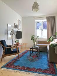 wohnzimmer stilmix teppich altundneu blumen wohnung