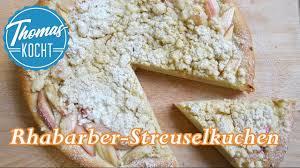 rhabarberkuchen mit streusel keine angst vor hefeteig