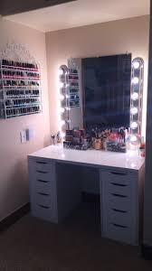 Diy Vanity Table With Lights by Best 25 Diy Vanity Mirror Ideas On Pinterest Diy Makeup Mirror