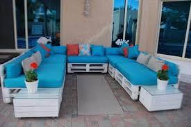 DIY U Shaped Pallet Living Room Sitting Plan