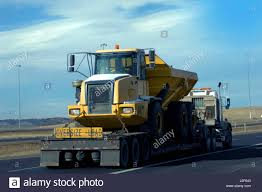 Hauling Truck Stock Photos & Hauling Truck Stock Images - Alamy 2017 Inrstate Tag Trailer For Sale Morris Il I1218 Welcome To Wwwkohelinrstatecom Semi Truck Tire Exploded Disingrates On Inrstate Youtube 2008 G20dt Trailer Item D2284 Sold February Inventory New And Used Trucks Royal Truck Equipment Inrstate Auction Or Lease Rental One Way Deals Best Bill Introduced Allow Permit 18 21yearold Drivers Fileinrstate Batteries Peterbilt 335 Pic2jpg Wikimedia Commons 2001 40tdl Tilt Deck I5577