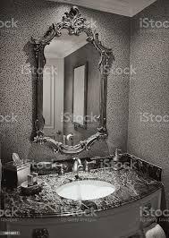 antikes badezimmer stockfoto und mehr bilder altertümlich