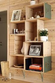29 Ways To Decorate With Wooden Crates Usefuldiyprojects Decor Ideas 17