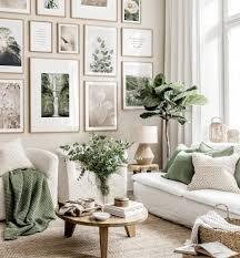 neutrale farben bilderwand blumenposter wohnzimmer beige eichenrahmen
