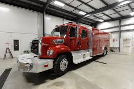 100 Freightliner Fire Trucks 4 Guys 108SD WalkAround Heavy Rescue Squad
