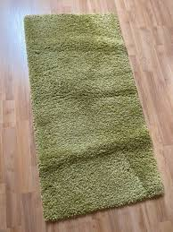teppich grün badezimmer schlafzimmer