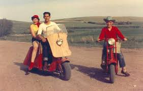 Cushman As The General Motors Of Scooter Production Several New Models Were Introduced To Line From 1946 Through 1950 Including