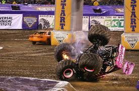 100 Monster Trucks Crashing Toy Jam