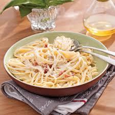 pate a la carbonara pâtes alla carbonara recettes cuisine et nutrition pratico