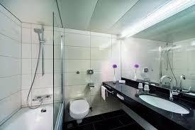 badezimmer bild maritim hotel bellevue kiel kiel