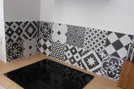 credence cuisine noir et blanc crédence de cuisine design moderne et contemporaine