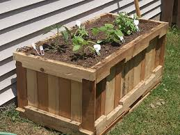 Source Wooden Pallet Gardening