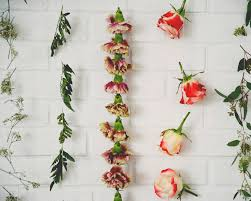 Diy Flower Garland Wall Hanging The Kitchy Kitchen Home Decor Websites Affordable