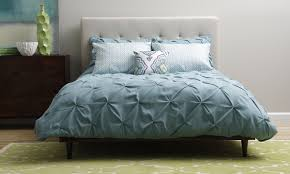 Ruffle Bean Flannel Sheets With Throw Pillows And