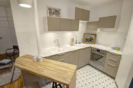 recouvrir faience cuisine faience cuisine design avec carrelage mural cuisine point p great