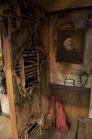 Haunted House Basement Fake Distressed Wall Idea Very Detailed Maybe Build A Extension In Hallway