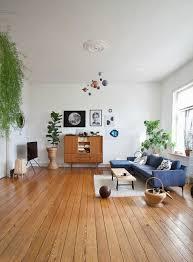 großes wohnzimmer im mid century stil bild kaufen