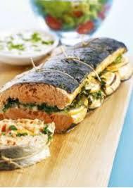 comment cuisiner un saumon entier saumon farci au citron et aux herbes