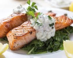 cuisiner pavé saumon recette pavés de saumon en papillotes