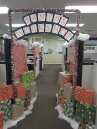 Office Door Christmas Decorating Ideas by Office Holiday Party Decorating Ideas 2 Holiday Party Decorating