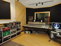 Top 5 Things To Make Your Own Home Recording Studio