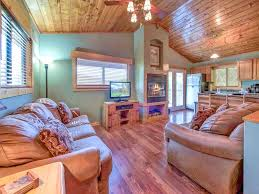 Cheap 1 Bedroom Cabins In Gatlinburg Tn by Naughty By Nature 1 Bedroom Tub Mountain Views Wifi