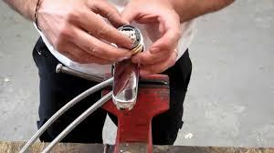 comment changer un robinet mitigeur de cuisine comment changer une cartouche de robinet mitigeur tutorial