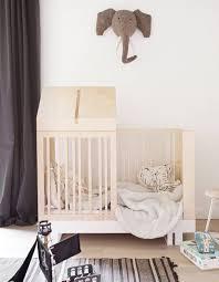 cabane dans la chambre craquez pour un lit cabane dans la chambre d enfant décoration