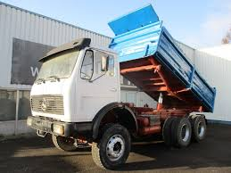 100 V10 Truck MERCEDESBENZ 2632 ZF Manual Spring Suspension 6x4 3 Way Tipper Dump Truck