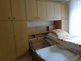 schlafzimmer komplett überbau bett kleiderhochschrank lattenroste
