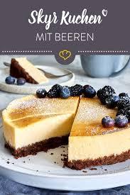 skyr kuchen cheesecake mit keksboden und beeren