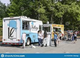 100 Food Trucks Atlanta Two Editorial Image Image Of Delivery Hummus