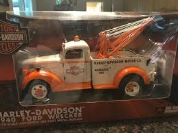 1940 Ford Wrecker HARLEYDAVIDSON Tow Truck # 81070 -1:16 Scale ... Product Search Mth Electric Trains Milwaukee Tow 24 Hour Towing And Recovery Prairie Land Towing 4yearold Found Alive After Trapped Eight Hours In Towed Police Officer Charles Irvine Charges Filed Against Driver Youre Robbin Folks Blind New Law Cuts Police Out Of Private Company Call 41400 Sold 2007 Terex Bt3670 Crane For Wisconsin On Car Motorcycle Rays Wi 1996 Freightliner Fld120 W Vulcan V60 Spent 8 Unnoticed Van At Tow Lot