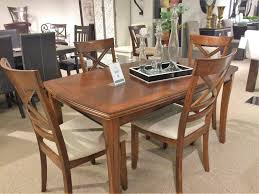 beckham dining table havertys