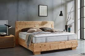zirbenholz wirkung erfahrungen produkte und studien im