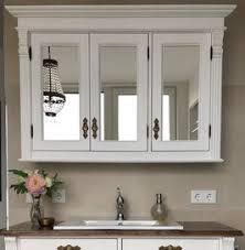 manon großer spiegelschrank mit drei türen im landhaus look