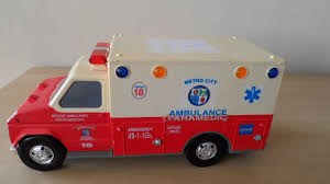 VINTAGE TONKA TOYS USA PARAMEDIC AMBULANCE TRUCK TOY WITH SOUND ...