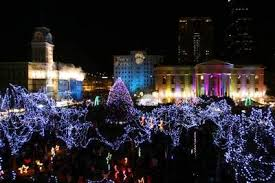 Light Up Louisville with a little help from Santa himself sets