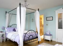Four Poster Bed That Actually Looks Hip And Not Too Granny