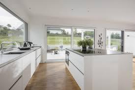 weiße küche weberhaus fertighaus prefab bauhaus