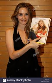 Alicia Silverstone. Alicia Silverstone Promoting Her Kind Diet ... San Diego Dance Theater Ray Bradbury Appearance And Book Signing Photos Images Getty Monica Barnes Steve Harvey Morning Show Producer Facebook Bill Company Review A Noble Carrie Fisher Signs Her Playhouse Opmistic Stories Of Real Hope For Families With Home Directory Pickerington Central High Mjmb98 Twitter Stetson University College Of Law News Floridas First School Santa July 2 2016 Dwayna Litz Et Images De Fred Weintraub Copies