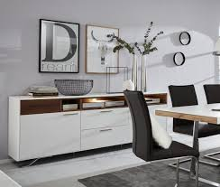 interliving wohnzimmer serie 2102 sideboard 510366 mit beleuchtung dunkles asteiche furnier weißer mattlack metallkufen