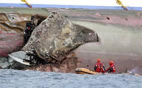 cruise disaster captain neared italian rocks to greet friend on