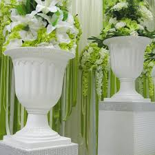 The Price Is Only For 8 Pcs Flower Pots And Without Other Accessoires Like Flowers Roman Pillars On Pic