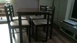 schöner tisch 4 stühle küche esszimmer klein braun beige