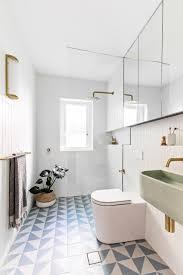 9 design ideas for small bathrooms houzz ie